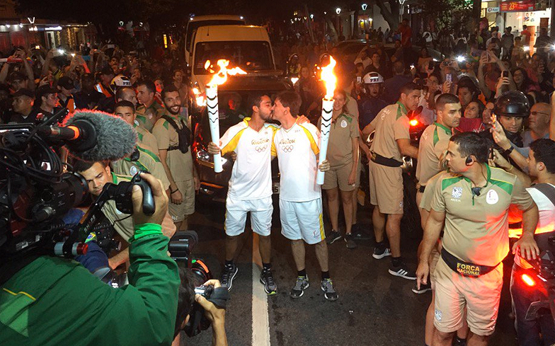Torch-Relay-Kiss!!!!!!!!!!!!!!!!!!!!!!!!